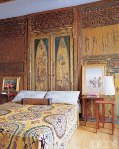 Giambattista Valli Rome. 19thC Indonesian carved-wood doors act as a headboard in the bedroom - ELLE DECOR The Doors, Farmhouse Bedrooms, Elle Decor, Giambattista Valli, Headboards, Beauty Indoor, Bohemian Bedrooms, Bedrooms Inspiration, Wood Doors