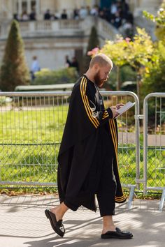 Street Style: Paris Fashion Week Part 4 – PAUSE Online | Men's Fashion, Street Style, Fashion News & Streetwear
