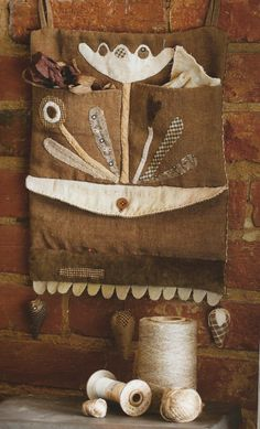 PROJECT BOOK: Primitive Folk Art Book by by PrimFolkArtShop, project from Thistle down moon