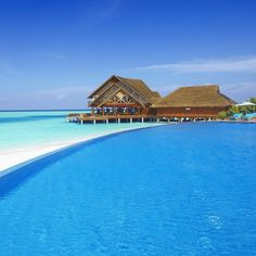 Maldives, I would so love an excluded hut in the ocean <3