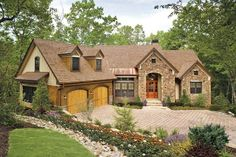 Craftsman House Plan with 3014 Square Feet and 4 Bedrooms from Dream Home Source | House Plan Code DHSW076048