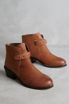 634b28ee557 79 best Personal Style  Shoes images on Pinterest