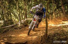 Copa Brasil de Downhill Individual 2015 - CAMANDUCAIA - MG. Piloto: Gustavo Toribio. Foto: João Paulo Labeda.
