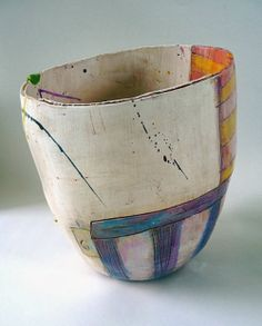 Big pot with big red round interior (Linda Styles Ceramics)) Ceramic Bowls, Ceramic Pottery, Pottery Art, Earthenware, Stoneware, Cerámica Ideas, Mug Design, Sculptures Céramiques, Paperclay