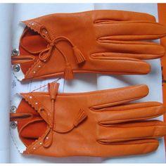 Tip: Hermès Gloves (Orange) Hermes, Orange Ideas, Make Beauty, Material Girls, Diamond Are A Girls Best Friend, Mitten Gloves, Leather Gloves, Keep Warm, Style Guides
