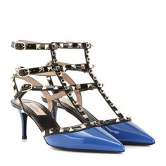 Valentino Rockstud Patent Leather Kitten-Heel Pumps (17 970 UAH) ❤ liked on Polyvore featuring shoes, pumps, heels, blue, blue pumps, kitten heel pumps, blue kitten heel shoes, blue heeled shoes and patent leather pumps