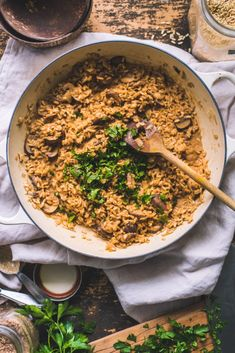 an Brown Rice Mushroom Risotto / Miso Paste - fannythefoodie Vegan Pasta Bake, Creamy Vegan Pasta, Healthy Crockpot Recipes, Clean Recipes, Vegetarian Recipes, Healthy Meals, Healthy Eating, Tofu, Pumpkin Pasta