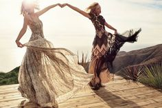 Vogue US Karlie Kloss & Taylor Swift - Besties Karlie Kloss Taylor Swift, Taylor Alison Swift, Boho Chic, Hippie Chic, Bohemian Style, Best Friend Photography, Ethno Style, Modelos Fashion, Vogue Us