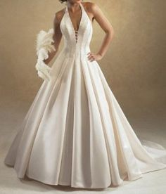 Royal plaid-folds in Ivory #marriage gown with deep neck is a killer. #Backless #Gowns