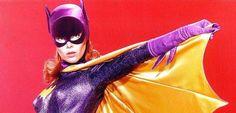 Gail Simone, a escritora de populares títulos de quadrinhos como Mulher-Maravilha e Red Sonja, utilizou sua página pessoal do Tumblr para deixar uma mensagem emocionante sobre Yvonne Craig, a Batgirl da popular série do Batman dos anos 60, que faleceu no dia 17 de agosto, comentando o porquê da atriz ser sua verdadeira heroína: No …