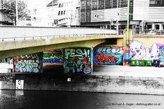 Stadtmalerei - Morbides Wien in Bunt Graffiti, Vienna, Times Square, Travel, Canvas, Graphite, Viajes, Traveling, Graffiti Illustrations