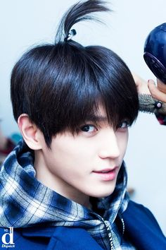 NCT 127 If this is not the cutest thing. Nct Taeyong, Winwin, Nct 127, Kpop, Sm Rookies, Entertainment, Marriage Life, Jung Woo, Press Photo