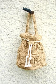 PDF crochet bag pattern - bucket bag * This is a listing for the PDF crochet pattern only not for the actual item. Level Intermediate ( UK & US crochet directions) Size (finished bag) approx 32X 30 cm X24 / 12.5 X 12 X 9.5 400g / 14 oz jute yarn - crochet 5 mm (uk 8 / us H) *