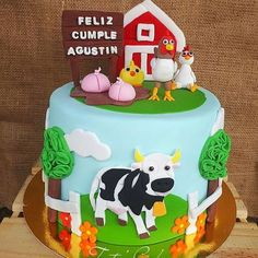 Farm Birthday Cakes, 2nd Birthday Party Themes, Farm Animal Birthday, Cow Cakes, Chicken Cake, Farm Cake, Farm Theme, First Birthdays, New Baby Products