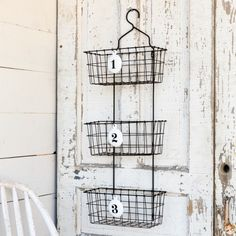 These Numbered Wire Wall Baskets make great farmhouse style storage. They're perfect for any farmhouse decor, especially in a farmhouse kitchen, farmhouse bathroom, farmhouse living room, or farmhouse family room. Vintage Farmhouse Decor, Antique Farmhouse, Farmhouse Style Decorating, Vintage Home Decor, Wire Wall Basket, Metal Baskets, Baskets On Wall, Hanging Baskets, Living Room Furniture Images