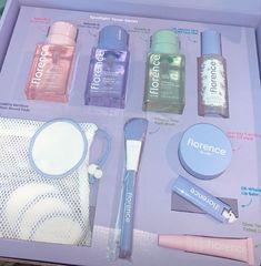 Makeup Kit, Skin Makeup, Beauty Care, Beauty Skin, Face Skin Care, Cute Makeup, Aesthetic Makeup, Makeup Cosmetics, Lip Balm