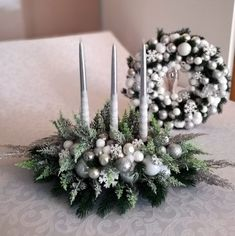 Christmas Time, Christmas Wreaths, Christmas Decorations, Xmas, Holiday Decor, Door Makeover, Types Of Doors, Flower Crafts, Door Design