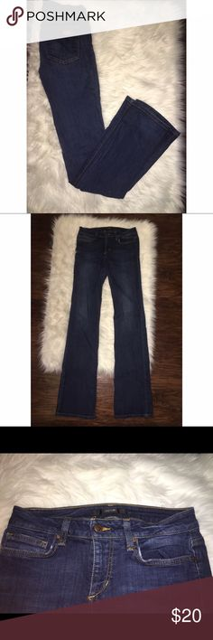 Joes jeans bootcut mid rise medium wash jeans Joes brand jeans. Bootcut, mid wash, and mid rise. Super comfortable and flattering. They're also in the curvy style, so they look best on women with bigger thighs and butts. Only worn a few times and in great condition! Joe's Jeans Jeans Boot Cut