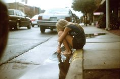 Cassoday Harder is a 17 years-old photographer based in Newton, Kansas, USA.