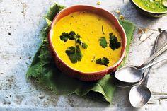 Haal de zon in huis met deze heerlijke maissoep: een tikkeltje spicy door de sambal - Recept - Maissoep - Allerhande