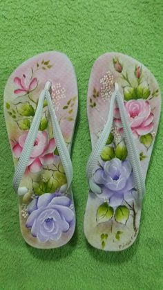 One Stroke Painting, Decoupage, Baby Kids, Flip Flops, Crafts, Shoes, Flowers, Fashion, Decorated Shoes