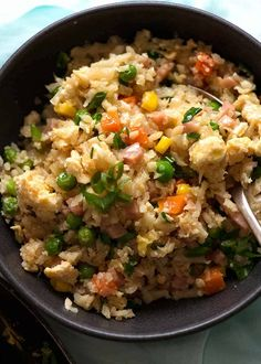 A Cauliflower Fried Rice recipe that looks and tastes so much like normal fried rice, I totally forgot it was made with cauliflower! Rice Recipes, Side Dish Recipes, Vegetable Recipes, Asian Recipes, Cooking Recipes, Healthy Recipes, Vegetable Dishes, Cauliflower Couscous, Recipes