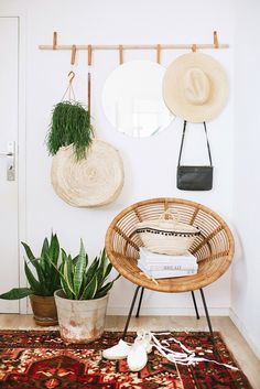 Minimalist bohemian decor is in equal part influenced by global travels and minimalism. It is a gathered yet deliberate style that marries classic mid-century influences with meaningful finds curated over the years.