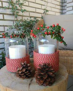 Un paso a paso sencillo para crear un centro de mesa con velas, algunas plantas y un poco de cuerda.