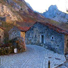Sotres village in Bulnes Parish, Cabralies, Asturias, Spain We Are The World, Wonders Of The World, Places To Travel, Places To See, Magic Places, Asturias Spain, Spain And Portugal, Andalusia, Spain Travel