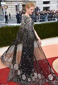 The 2016 Met Gala Red Carpet: Nicole Kidman in Alexander McQueen