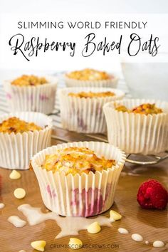 Delicious, easy and healthy, these raspberry baked oats muffins are the perfect breakfast for grabbing on busy mornings. Simple to make and heathly, you'll want to keep them all for yourself astuce recette minceur girl world world recipes world snacks Healthy Breakfast Muffins, Oat Muffins, Breakfast Recipes, Slimming World Breakfast Muffins, Raspberry Breakfast, Diet Breakfast, Brunch Recipes, Breakfast Ideas, Dinner Recipes