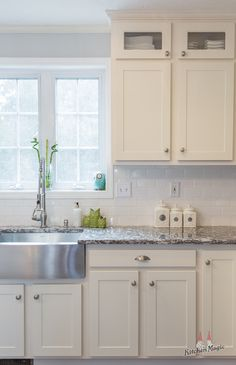 32 Beautiful Small Kitchen Design Ideas And Decor. If you are looking for Small Kitchen Design Ideas And Decor, You come to the right place. Below are the Small Kitchen Design Ideas And Decor. Diy Kitchen Cabinets, Kitchen And Bath, New Kitchen, Kitchen Decor, Refacing Cabinets, Kitchen Magic, Kitchen Ideas, Kitchen Remodeling, Kitchen Refacing