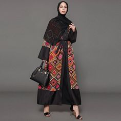 Abaya Fashion, Muslim Fashion, Fashion Outfits, Womens Fashion, Abaya Designs, Muslim Dress, Modest Wear, Pakistani Dress Design, Women Sleeve