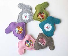 Osterhasen - Hasen-Geschenkverpackung mit Klettverschluß (Kaufartikel)
