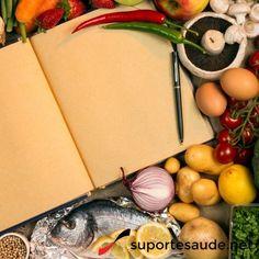 Cardápio leve e saudável de verão  Para se manter na dieta durante o verão aqui vão algumas idéias de cardápio: - Salada com mix de folhas verdes - Salada com folhas verdes, tomate e atum - Peixe com molho de laranja - Salada de frutas - Espetinho de frutas - Suco de abacaxi com hortelã - Suco de laranja - Lanche natural  Vamos usar a imaginação!  #boaalimentacao #alimentacaosaudavel #dicadanutri #dicadasuporte #leve #verao #cardapio #saladas #frutas #peixes