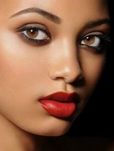 Photographer:Wilfred Benitez Makeup: Desiree Foote ~ Eyes sparkle like polished, fresh-cut, Tel Aviv chocolate diamonds. Lips as full and luscious as fresh plump strawberries. Welter Weight Champ - delete at your own risk! Beautiful Lips, Beautiful Black Women, Beauty Make Up, Hair Beauty, Eye Makeup, Hair Makeup, Makeup 101, Clean Makeup, Pretty Eyes