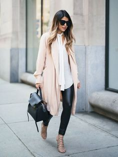 Leather leggings with white blouse and a blush pink coat || black leather bag and nude sandals
