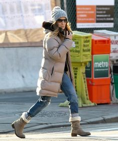 Sarah Jessica Parker Mid-Calf Boots - Sarah Jessica Parker braved the New York City cold in a pair of sheepskin-lined mid-calf boots.