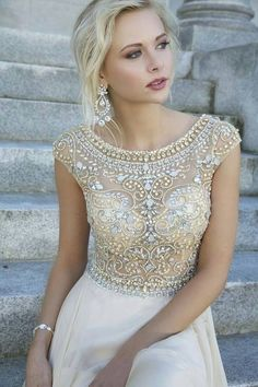 I love the detailed embroidery on the top half of this dress! #topshoppromqueen2014