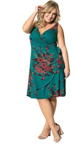 Vestido Viscose Stretch Decote V Floral Verde garante o conforto e chame ao look. Roupas Plus Size é na Beline. Plus Size Ivory Dresses, Vestidos Plus Size, Plus Size Boutique, Looks Plus Size, Clothing Sites, Women's Clothing, Moda Plus Size, Mesh Dress, Plus Size Women
