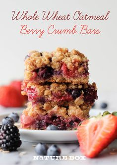 Berry Medley Oatmeal Crumb Bars - You can indulge in these bars guilt-free in all of its crumbly glory! Wendy's Breakfast has these bars and they are absolutely DELICIOUS! Healthy Desserts, Just Desserts, Delicious Desserts, Dessert Recipes, Yummy Food, Bar Recipes, Healthy Recipes, Sweet Recipes, Dessert Bars