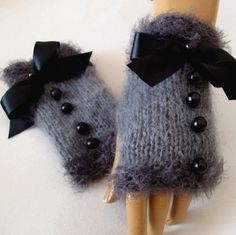 Hand Made, Knitting ,Gray Fingerless Glove Arm Warmer Adorned Black Ribbon And Beeds.I just bought gray gloves. Fingerless Gloves Knitted, Crochet Gloves, Knit Mittens, Knit Crochet, Loom Knitting, Hand Knitting, Knitting Patterns, Crochet Crafts, Crochet Projects