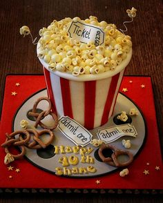 The Popcorn Cake ! *Let's enjoy your movie with this lovely popcorn cake ! Pretty Cakes, Cute Cakes, Beautiful Cakes, Amazing Cakes, Unique Cakes, Creative Cakes, Creative Food, Fondant Cakes, Cupcake Cakes
