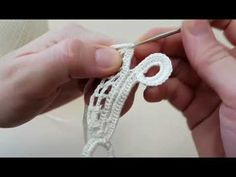 Vestido de crochê irlandes rendado terceiro motivo - YouTube Crochet Doily Rug, Freeform Crochet, Filet Crochet, Crochet Yarn, Crochet Flowers, Irish Crochet Tutorial, Irish Crochet Patterns, Diy Crafts Crochet, Point Lace