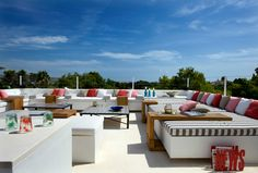who doesn't love a roof top like this?