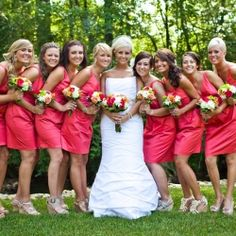 Tasks you can (and can't) delegate to bridesmaids.