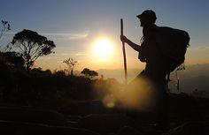 Que disfrutéis del #findesemana haciendo lo que más os gusta. #CaminodeSantiago.  www.caminodesantiagoreservas.com