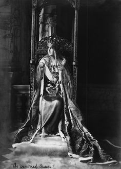 Queen Marie, also known as Marie of Romania, was one of the most beloved royals in this country. She was the was Queen consort of Romania from 1914 to Queen Victoria Children, Princess Victoria, Princess Alexandra, Princess Beatrice, Queen Mary, King Queen, History Of Romania, Romanian Royal Family, Kaiser