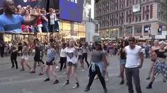 "Popped the Q! | Times Squares NY | Wizkid - ""On Top Ur Matter"""