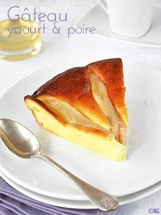 Miam! Un délicieux gâteau au yaourt et aux poires... tout en légèreté bien entendu!